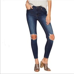 Free People Busted Blue Skinny Jeans Sz 25 NWT
